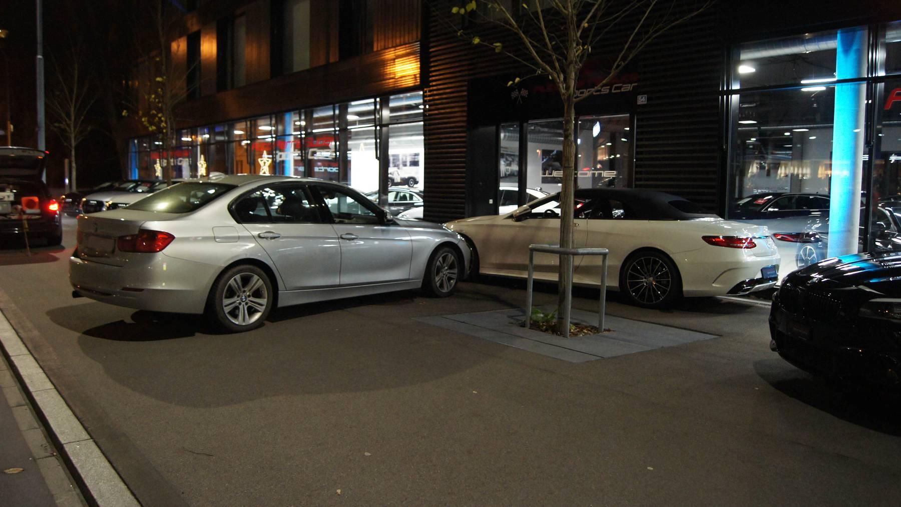 Betrunkener rammt parkierten Luxussportwagen