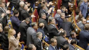 Parlament annulliert verschärftes Demonstationsrecht