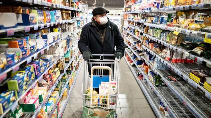 Immer einkaufen gehen können, auch Sonntags und abends? Für die Kunden angenehm, für die Mitarbeiter weniger.