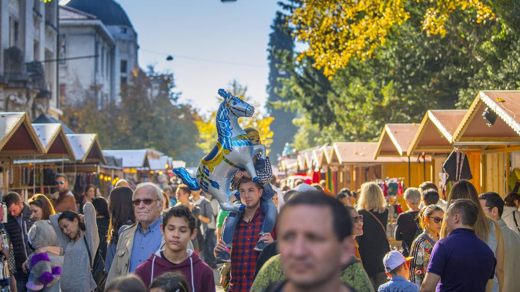 Das schöne Wetter war für die Jahrmarkt-Aussteller ein Segen - nicht so für die Olma Messen