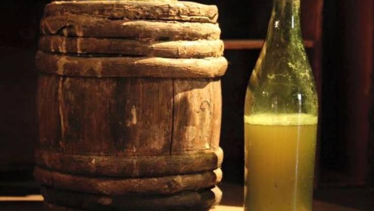 Aus dem 19. Jahrhundert stammt das Bier, das im Atlantik gefunden wurde. Es ist ungiftig, aber ungeniessbar, ergab ein Test.