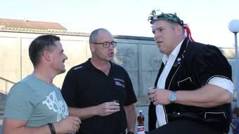 Schwinger Christian Stucki feierte in Lengnau seinen 100. Kranz mit seinen seeländischen Schwingerkollegen