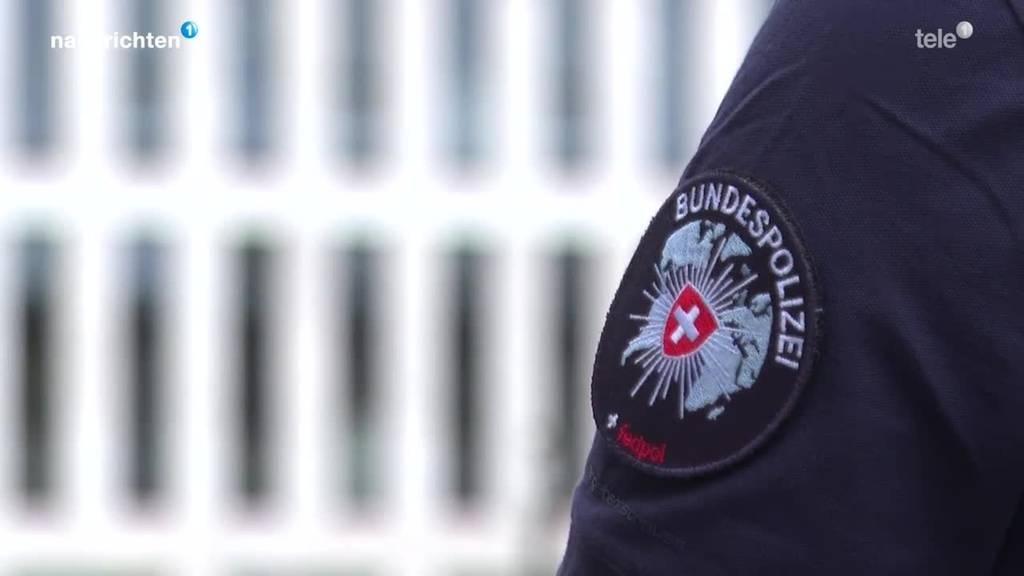 Anti-Terror-Gesetz: Bundesrätinnen besuchen Fedpol