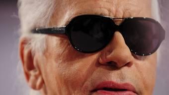 Asche zu Asche: Karl Lagerfeld will kremiert werden (Archiv)