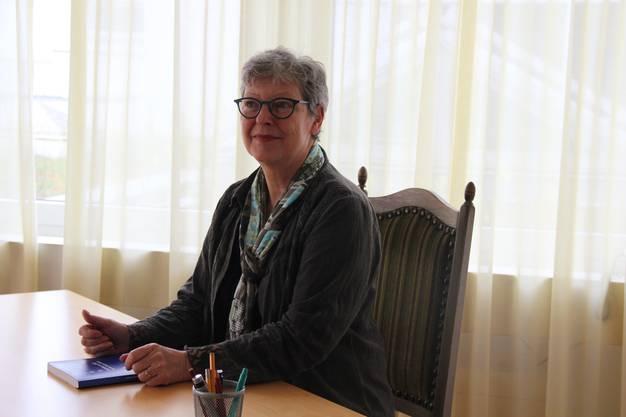 Christine Limacher an ihrem Arbeitsplatz.