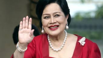 Wegen Fiebers im Spital: Thailands langjährige Königin Sirikit (86). (Archivbild)