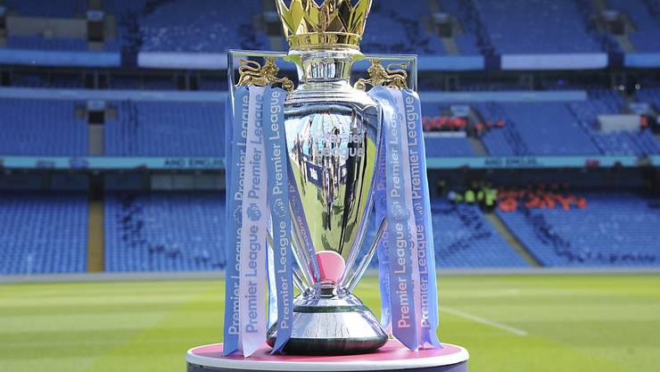 Die Premier-League-Trophäe kommt ab 12. Juni wohl doch wieder ins Spiel
