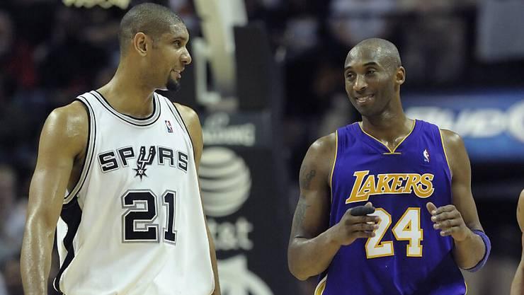 Tim Duncan (links) und der im Januar tödlich verunglückte Kobe Bryant sollen nun Mitte Mai 2021 in die Hall of Fame der NBA aufgenommen werden