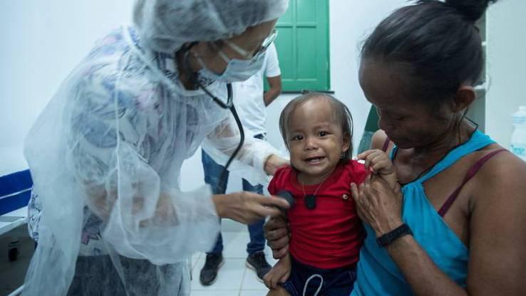 Das Coronavirus verbreitet sich rasend schnell in Brasilien. Deshalb hoffen hier so viele Menschen auf den Impfstoff.