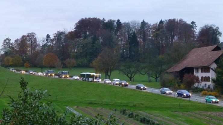 Riesenstau wenige Minuten vor 17 Uhr im Feierabendverkehr zwischen Mägenwil und Mellingen.
