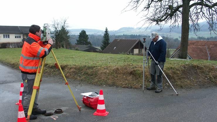 Hallwil wurde Anfang Jahr neu vermessen. Dies drängte sich auf, da die Grundbuchvermessung über 100 Jahre alt ist.  Foto: AG