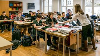 Der Lehrberuf soll im Aargau finanziell wieder etwas attraktiver werden. Nächstes Jahr entscheidet der Grosse Rat darüber.