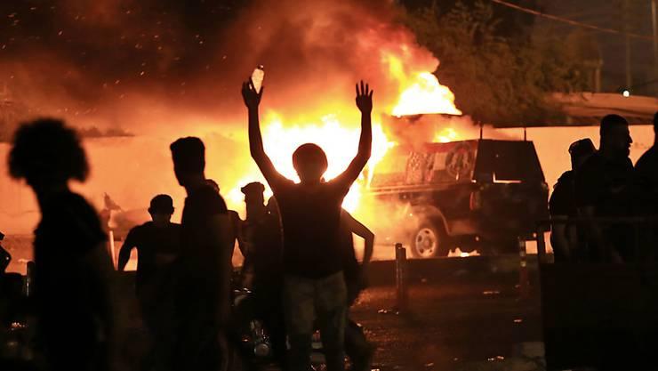 Bei regierungskritischen Protesten im Irak sind zahlreiche Menschen ums Leben gekommen.