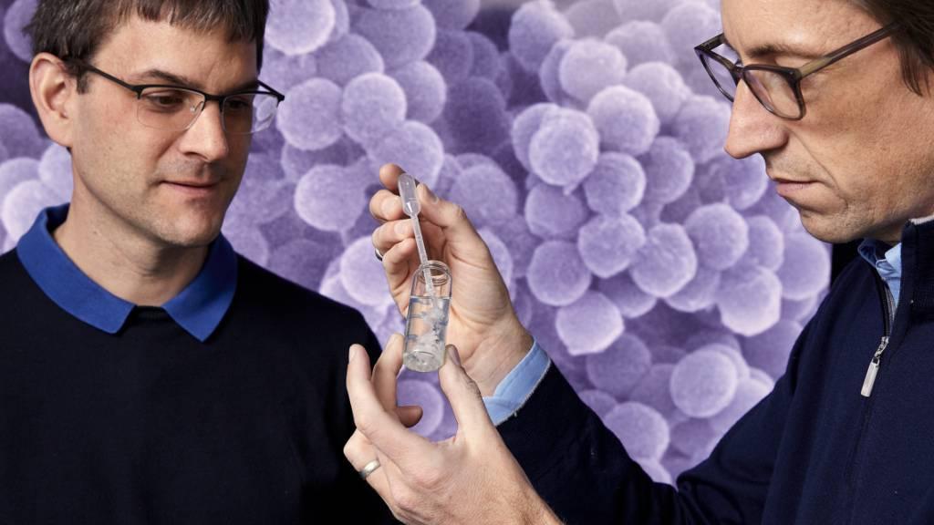 Die ETH-Professoren Wendelin Stark (links) und Robert Grass (rechts) sind für den diesjährigen Europäischen Erfinderpreis nominiert.