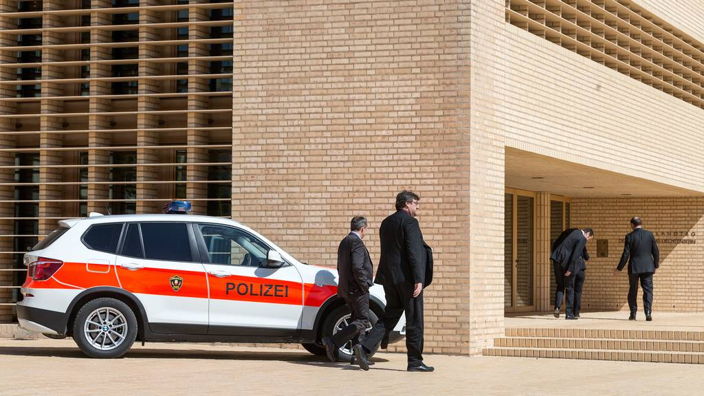 Bombendrohung in Landtagsgebäude: Polizei nimmt Mann fest