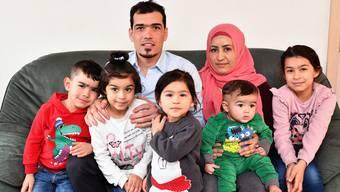 Vater Mohamad, Mutter Khaula, Sohn Yazan, seine Zwillingsschwester Rahaf, die zweijährige Amal, der acht Monate alte Omar und die siebenjährige Tochter Abir (von links).