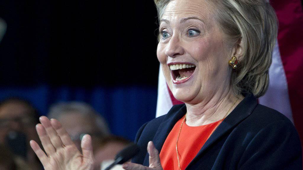 Will ihr Image mit Comedy aufpolieren: Hillary Clinton (Archiv)