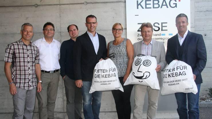 Sie freuen sich auf die 40. Ausgabe der HESO (v. l.): Albert Kruker (Gastregion Lenk-Simmental), Oscar Schmid (Wohnheim Kontiki), Alain Walter (Bauchef HESO), Thomas Zindel (HESO-Geschäftsführer), Michèle Müller (HESO-Geschäftsstelle), Kebag-Direktor Markus Juchli und HESO-OK-Präsident Urs Unterlerchner.