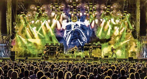 Die Band Krokus bei einem Konzert im Juni 2019 mit grossem Pomp am Rockfest Barcelona.