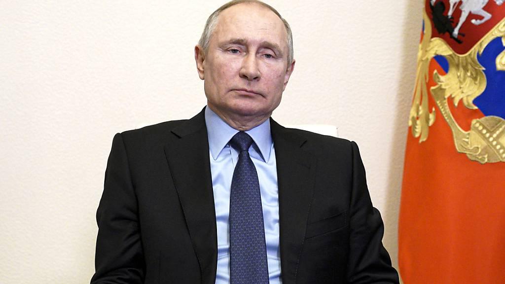 Der russische Präsident Wladimir Putin. US-Geheimdiensten zufolge verfolgte Moskau das Ziel, «das Vertrauen in das US-Wahlsystem zu untergraben und die gesellschaftliche Spaltung der Menschen in Amerika zu verstärken». Foto: Alexei Druzhinin/Pool Sputnik Kremlin/AP/dpa