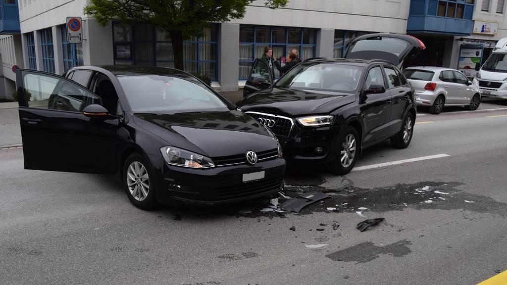 Totalschaden nach Kollision zweier Autos