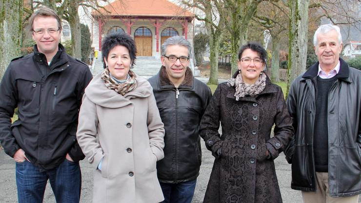 Unterschriftensammelnde für den Bettag vor der Katholischen Kirche in Balsthal
