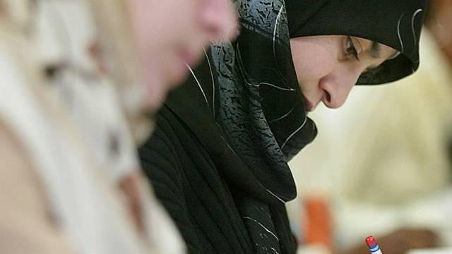 Die CVP verlangt ein Kopftuchverbot an Aargauer Schulen (Archiv)