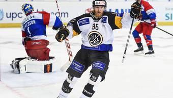 Linus Klasen traf auch in der zweiten Partie für Lugano am Spengler Cup und steht mit den Tessinern im Halbfinal