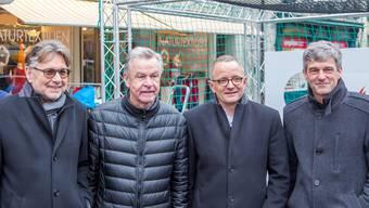 Stargast Ottmar Hitzfeld (2.v.l.) umrahmt von Hanspeter Thür, Hanspeter Hilfiker und Daniel Siegenthaler (v.l.n.r.), die ab 2018 im Aarauer Stadrat das Stadion-Dossier behandeln.