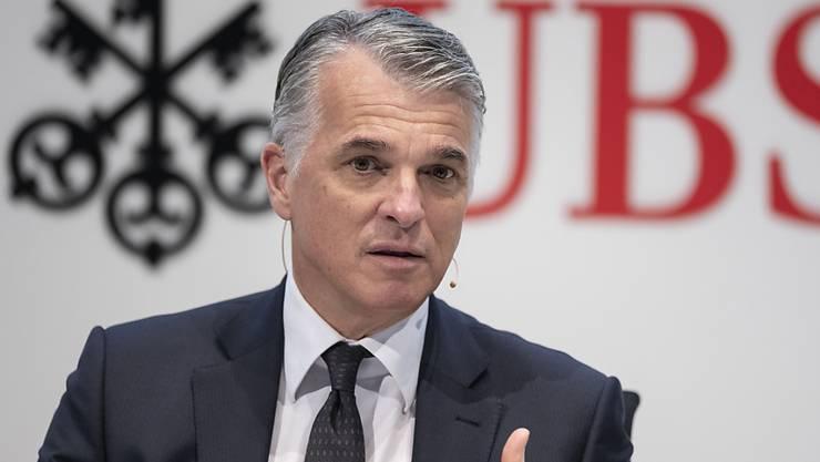 Laut UBS-Konzernchef Sergio Ermotti haben Firmen im Zuge der Coronakrise rund 23'000 Anträge auf Kredite gestellt. (Archivbild)