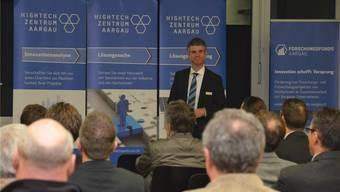 Martin A. Bopp, Geschäftsführer der Hightech Zentrum Aargau AG, zeigte auf, wie Unternehmern geholfen werden kann. ES