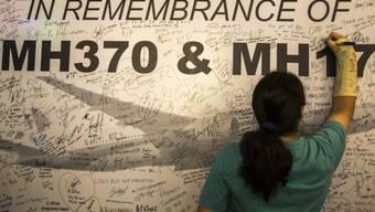 Gedenkmauer für die Passagiere der Flüge MH370 und MH17 in Malaysia