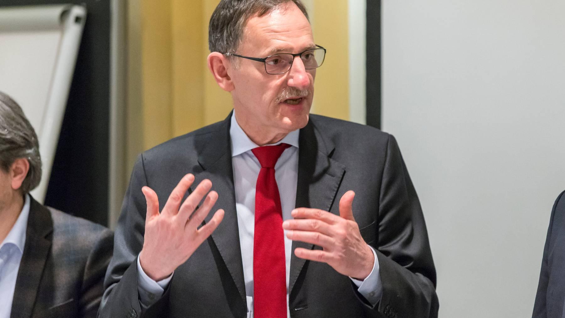 Gegen den Zürcher Regierungsrat Mario Fehr wurde eine Anzeige eingereicht.