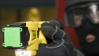 Amnesty International kritisiert den Einsatz von Elektroschock-Pistolen (Symbolbild)