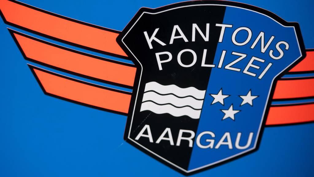 Die Aargauer Polizei hielt den Fahrzeugkonvoi auf dem Rastplatz Lenzburg an. (Archivbild)