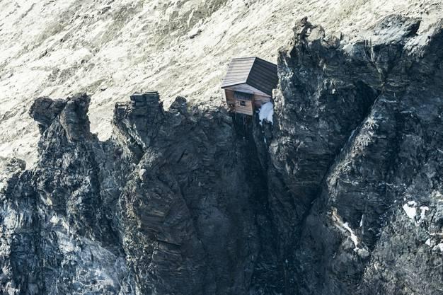 Wirkt wie eingeklemmt: die Solvay-Hütte.