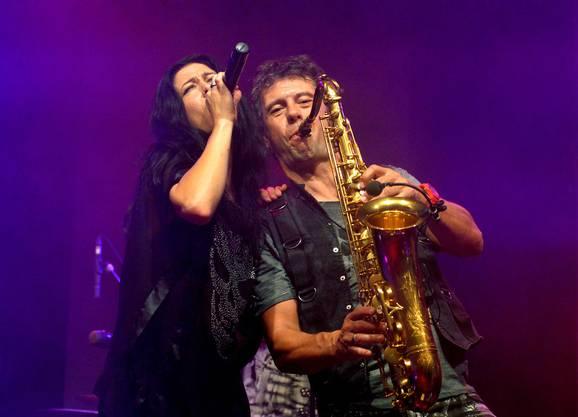 Yvonne, die Sängerin und Walter, der Saxophonist der Partyfürsten.