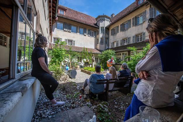 Chloschtival im Kapuzinerkloster Solothurn, im Bild: Sowieso