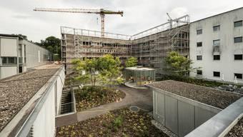 Mit dem Erweiterungsbau «Reha Ost» wird unter anderem die geriatrische Abteilung vergrössert. So sind für diese Abteilung 20 Betten im neuen Trakt geplant.