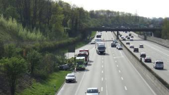 Mehrere Unfälle innert wenigen Sekunden auf der A2