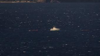 Ein Boot der griechischen Küstenwache bei einer Rettungsaktion in der Ägäis.