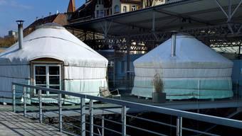 In den beiden Jurten befinden sich Empfang und Ruheraum der «Sauna am Rhy».  Kenneth Nars