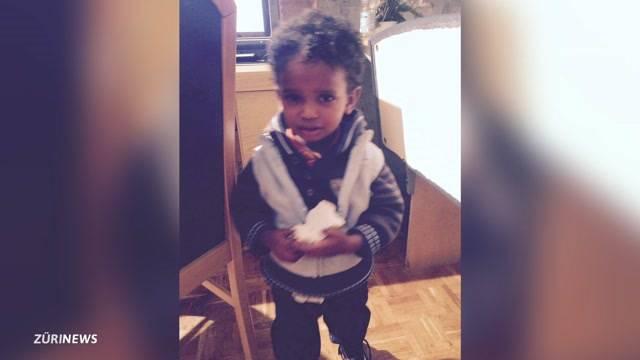 2-jähriger Bub nach Taufe vermisst