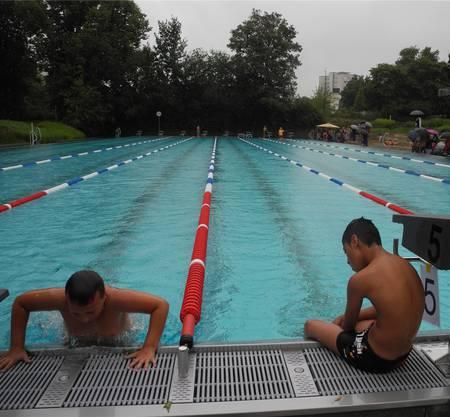 Die erschöpften Schwimmer