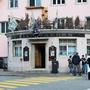 Das Irish Tavern Pub Balsthal warb dafür, während 7 Tagen rund um die Uhr zu öffnen.