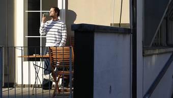 Jeder vierte fühlt sich von rauchenden Nachbarn gestört.