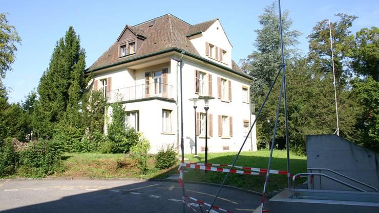 Das Willi-Haus muss dem Neubau für die Gemeinschaftspraxis weichen.  lp