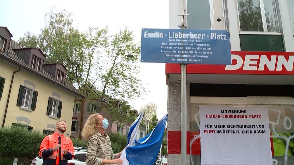 Emilie Lieberherr wird mit Platz für ihre Verdienste geehrt