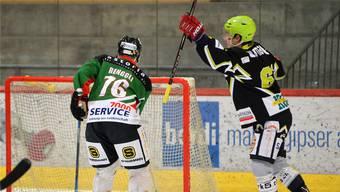 Lukas Scherrer (r.) und der EHC Bucheggberg haben äusserst gute Karten, Mauro Renggli und sein SC Altstadt Olten müssen hingegen um das Heimrecht in den Playoffs kämpfen.