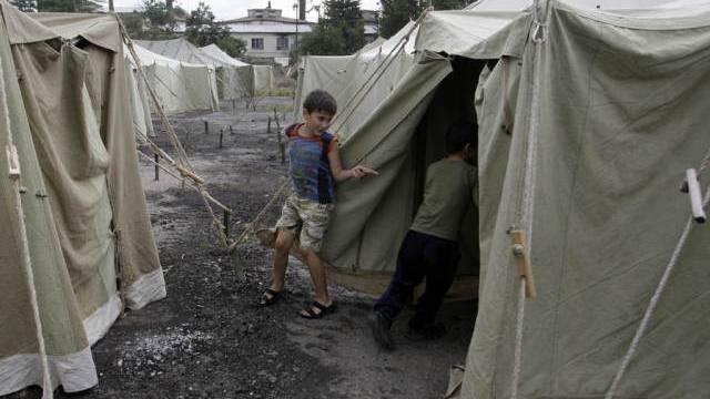 Kinder in einem Flüchtlingslager in Südossetien (Symbolbild)